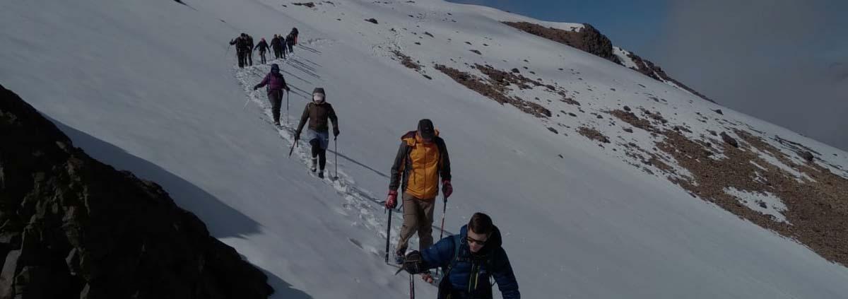 walking-skiing-mount-toubkal-morocco Voyager au Maroc en décembre